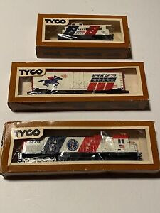 Vintage Tyco HO Scale Spirit Of 76 Train Engine Box Car And Caboose