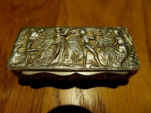 ART NOUVEAU SOLID STERLING SILVER HALLMARKED CHESTER DATE 1897 SNUFF TRINKET BOX