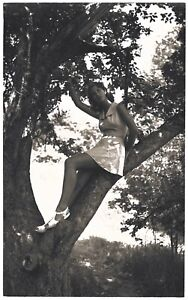Fine Art Deco Camera Club 1930s Photograph Leggy Pin-Up in Nature H.R. Cremer