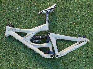 "GIANT FAITH 1 Downhill MTB Frame for 26"" Wheels W/ FOX DHX 4.0 Shock, Size 18"""