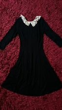 New Look Negro Blanco Cuello Swing Dress encaje de ganchillo GOTH GOTHIC Retro Lindo 8