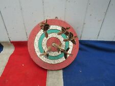 ANTIQUE VINTAGE OLD DARTBOARD WITH FEATHER DARTS SPORTING ANTIQUES BAR DISPLAY