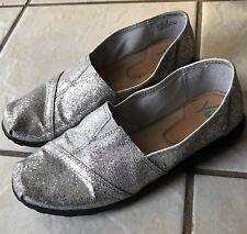 YUU Celista Women's Silver Sparkle Glitter Slip On Holiday Flats Dress Shoes 7M