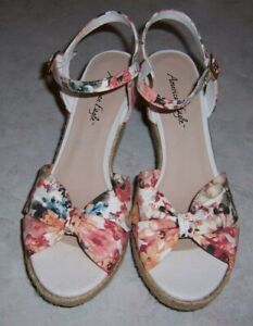 AMERICAN EAGLE Womens Sz 11M Multi-Color Fabric Open Toe Wedge Heel Ankle Strap