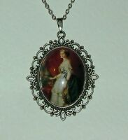 LARGE GLASS CAMEO YOUNG QUEEN VICTORIA VICTORIAN STYLE DK SILVER PLATED PENDANT