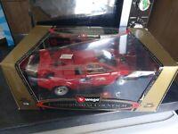 Burago Gold Collection 1/18 Lamborghini Countach 5000 Quattrovalvole 1988 Red