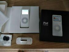 Apple iPod nano 1st Generation White (2 GB) Complete in box w all accessories