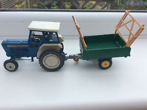 Britains Vintage Ford 5000 Tractor And Trailer With Driver Original 100%