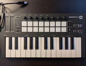 Novation Launchkey Mini MK3 - Tastiera/Controller MIDI 25 Tasti + Custodia