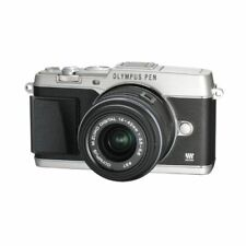 Near Mint! Olympus E-P5 16MP with 14-42mm Silver - 1 year warranty