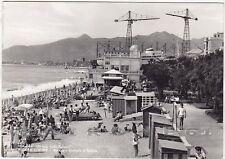 SAVONA PIETRA LIGURE 50 SPIAGGIA BAGNI Cartolina FOTOGRAFICA viaggiata 1956