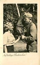 AK Militaria 1940 Auf baldiges Wiedersehen! - Soldat junge Frau Pferd
