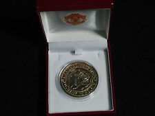 MANCHESTER UNITED 2000 PREMIER LEAGUE CHAMPIONS MEDAL WITH RED BOX AND CREST
