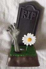 Horror Block Exclusive Gravestone Cemetery Zombie Desktop Cell Phone Holder