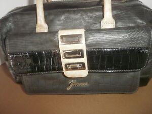 GUESS Ladies Handbag