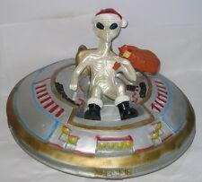 Alien im UFO, Weihnachtsmann, 44cm, Deko für Haus u. Garten, Kunststoff, 6 KG