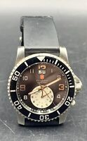 AUTHENTIC VICTORINOX 24178 SWISS ARMY MAVERICK ll DUAL TIME MENS WATCH PREOWNED