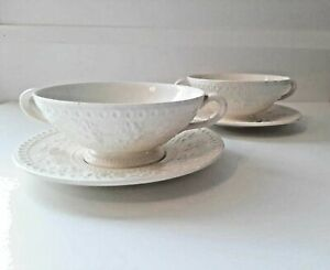 ANTIQUE WEDGEWOOD WELLESLEY OF ETRURIA 2 SOUP COUPES & SAUCERS