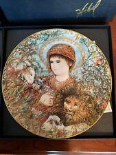 Edna Hibel 1989 Christmas plate Peaceful Kingdom by Knowles