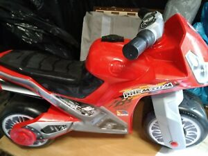 Kids Molto Cross Premium Batman Foot-to-Floor Ride-On Bike For Kids Motorbike