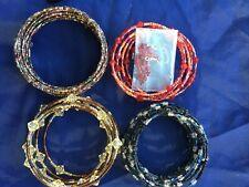 4 X envoltura alrededor de pulseras con cuentas, Rojo, Negro, Marrón y pendientes en bolso de lazo