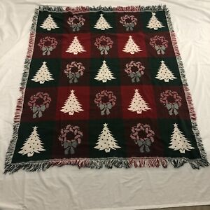 Light Weight Tapestry Style Throw Blanket Red Green Christmas Tree and Wreath