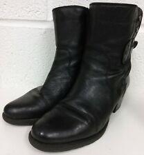 CLARKS BLACK LEATHER ANKLE BOOTS - SIZE 6.5 D  UK