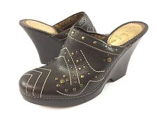 Nicole Miller Womens 8B Brown Leather Studded Mules Clogs Wedge Heels Shoes