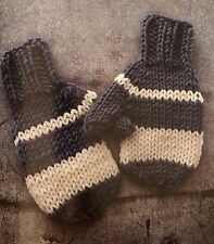 Cg34 - Knitting Pattern - Children's Chunky Mittens / Gloves - 8-10yrs