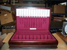 VINTAGE Community Plate Wood Silverware Flatware Storage chest box. BEAUTIFUL!!