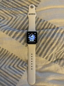 apple watch series 2 38mm Silver W/white Band