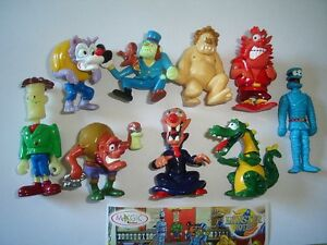 HALLOWEEN MONSTER HOTEL 1 MONSTERS 2005 KINDER SURPRISE FIGURES SET COLLECTIBLES