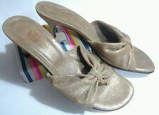 DONALD PLINER COUTURE Tan Valli Thong Mules Sandals Kitten Heels  ITALY 7.5 N
