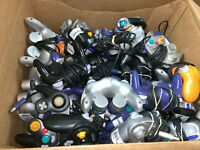 20 Wholesale Broken Official OEM Nintendo Gamecube Controllers Lot Parts/Repair