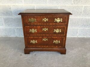 BAKER FURNITURE BANDED MAHOGANY CHIPPENDALE STYLE 3 DRAWER NIGHTSTAND