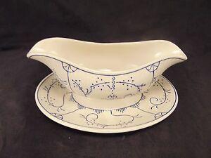 Gravy drippings boat attached underplate cream & blue swirl design serving piece