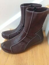 BERNE MEV New York Women's Boots, Size 7.5 M, (38) Color: Brown