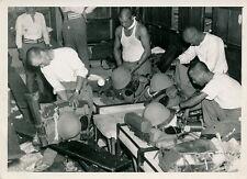 JAPON c. 1945 - Soldats Préparation Matériel - P 360