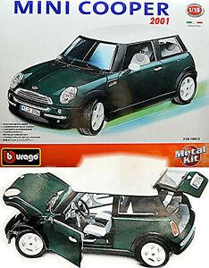 Mini Cooper R50 (BMW Group) 2001-06 grün green 1:18 Bburago Metall Bausatz Kit