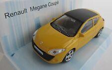 Renault Megane Coupe / Gelb mit Schwarz / Modell 1:43 / Mondo Motors / Neu OVP