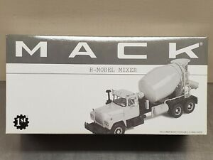 1st Gear 19-0016 Collector's Club R-Model Cement Mixer Truck