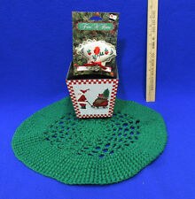 Christmas Santa Planter Round Green Crochet Doily Embroidered Ornament Lot of 3
