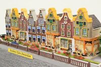 """Diorama Spur N Häuserzeile """"klein Amsterdam"""" mit vielen Figuren und Details"""