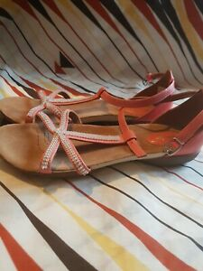 Clarks Artisan Raffi Star Leather sandals size 5.5