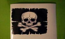 """Crâne Et Croix Os Pirate Drapeau Autocollant Vinyle Autocollant 7"""" x 5"""""""
