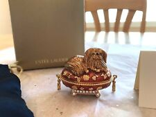 ESTEE LAUDER 2005 SOLID PERFUME COMPACT PAMPERED PEKINESE MIB PLEASURES
