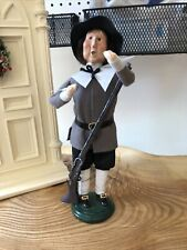 Byers Choice Thanksgiving & Harvest Carolers : 2000 Pilgrim Man With Rifle-Grey