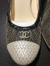 Worn1x $950 CHANEL CC Pearl Logo Leather 2 Tone Cap Pumps Heels Shoes 39.5 Italy