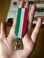 MEDAGLIA CROCE ROSSA ITALIANA AFFER NASTRINO 25 X 25 mm GF