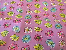 "Lila ""Pétalos"" Estampado Floral polialgodón Tela HECHO EN Canadá. 137cm Ancho"
